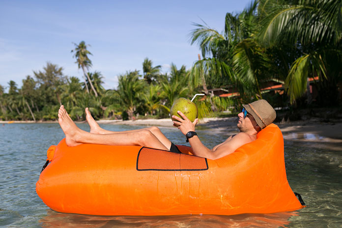 Best Inflatable Lounger Buying Guide You Should Consider