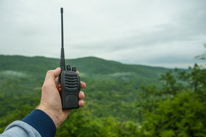 Best Handheld Ham Radio: Buyer's Guide